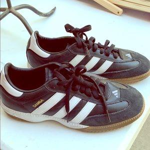 Men or woman Samba adidas! Sneakers Black & white